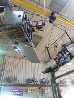 Avions suspendus de Sud Side à Marseille