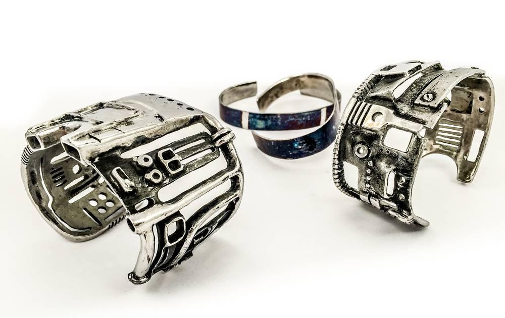 Manchettes et bracelets Nous sommes des Héros