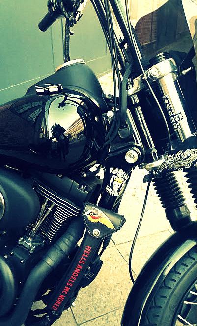 Moto Hells Angels Berlin néo-rétro et bio