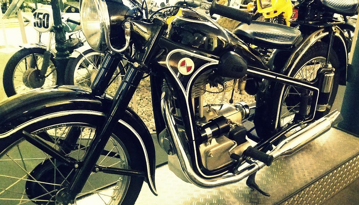 Moto EWW R 35-3 de 1953 au musée de motos à Berlin