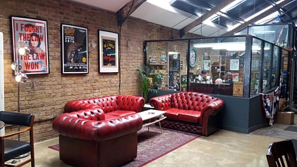 Interieur cosy du Bike Shed LONDRES NEO RETRO et BIO