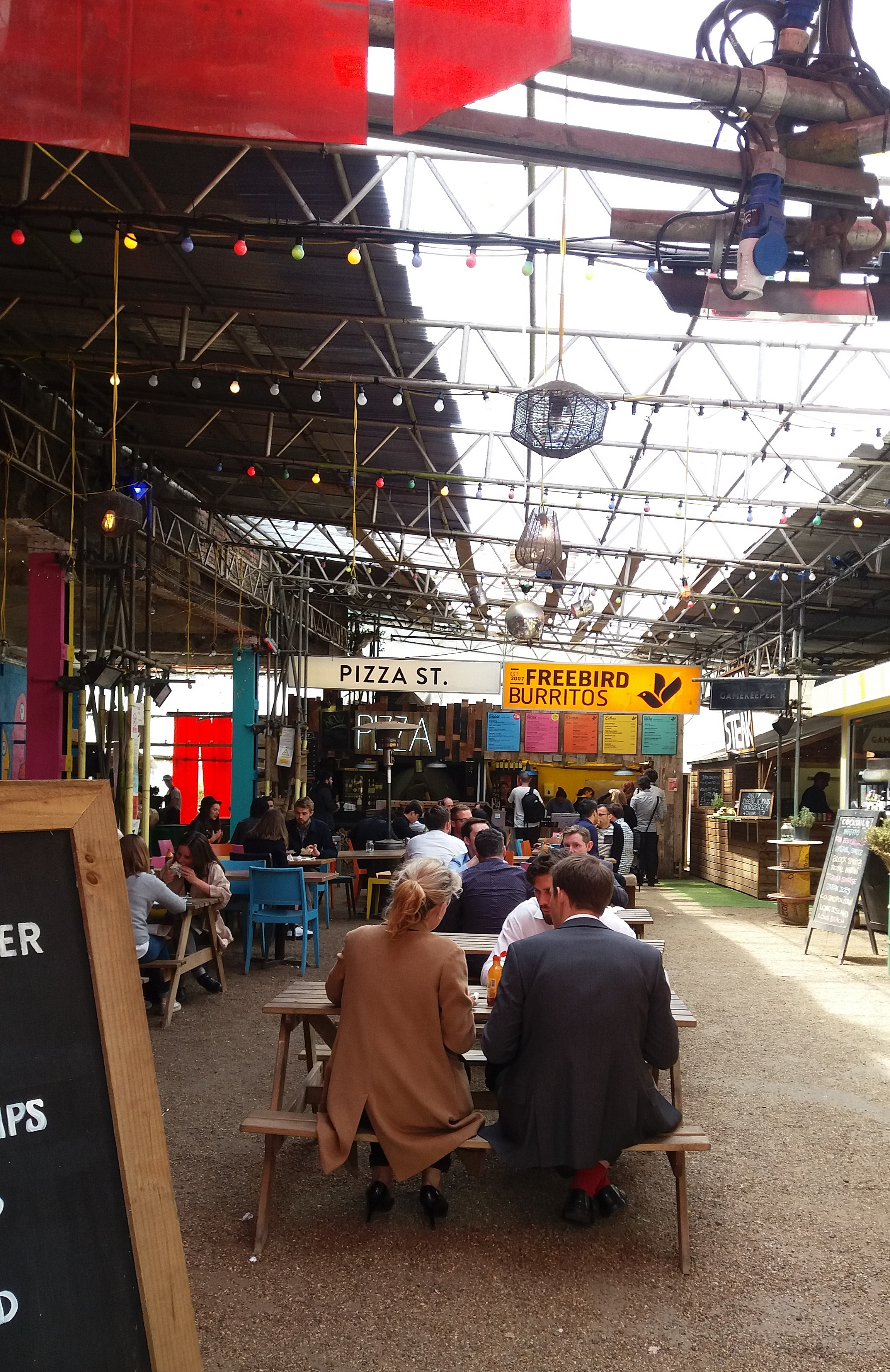 Urban food market a Shoreditch LONDRES NEO RETRO et BIO