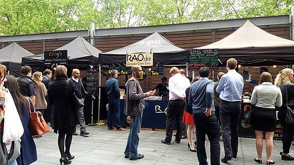 Urban food market pres de Old Spitalfields market LONDRES NEO RETRO et BIO